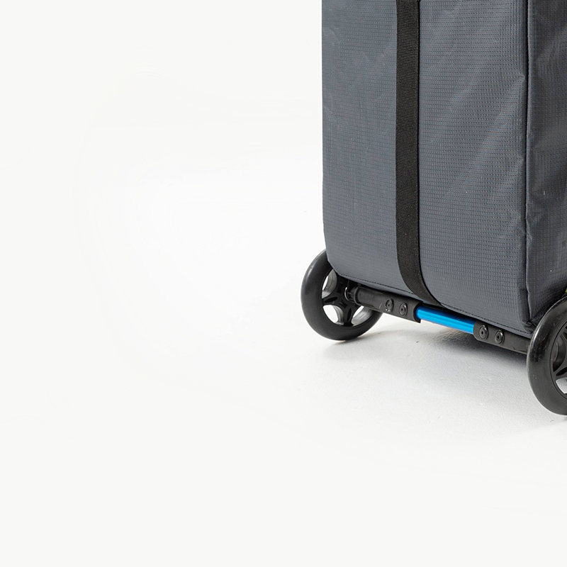 2 built-in, smooth-running wheels